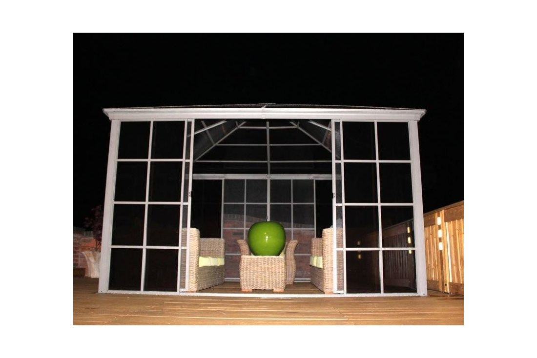 Four Seasons Screen House 3m x 3m