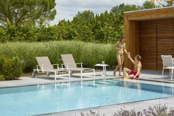 A DAY IN THE SUN: LEDGE LOUNGERS AND SUN LOUNGERS